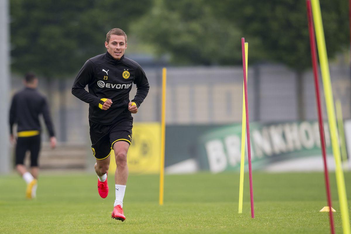 Thorgan Hazard of Borussia Dortmund runs during a training session of Borussia Dortmund on May 04, 2020 in Dortmund, Germany.
