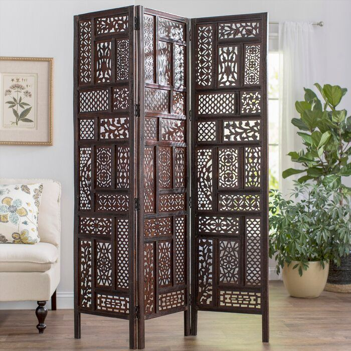 Metal panel screen with lots of detail.