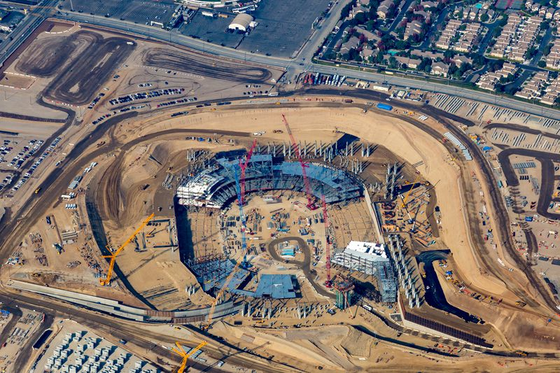 Aerial view of construction at Inglewood NFL stadium