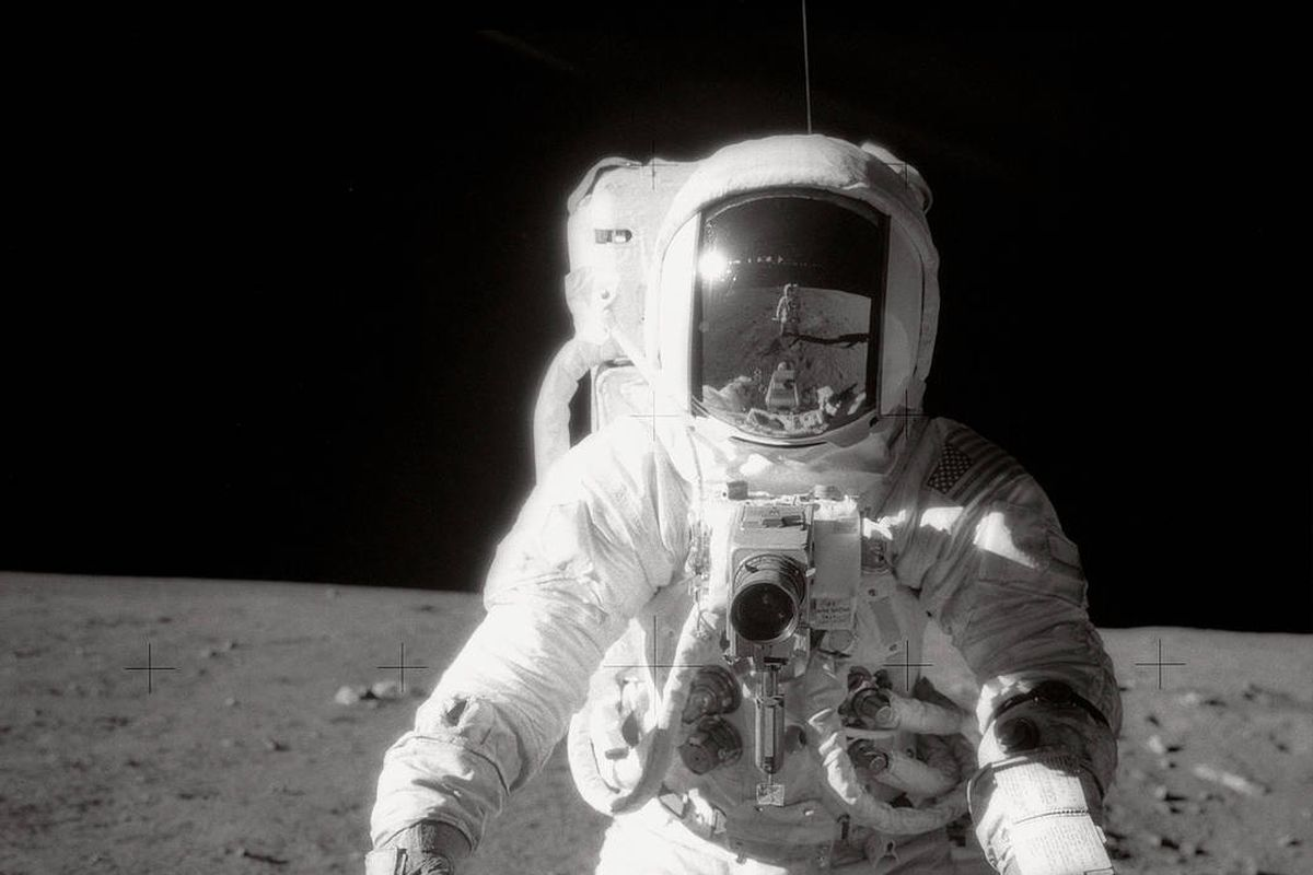 Alan Bean, the fourth man to walk on the Moon, has died at ...