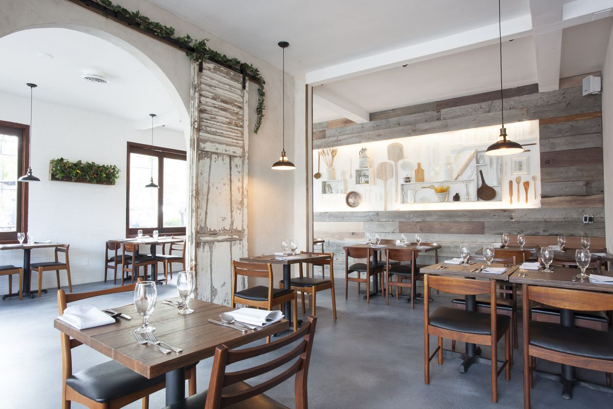 Dining room at Civico 1845