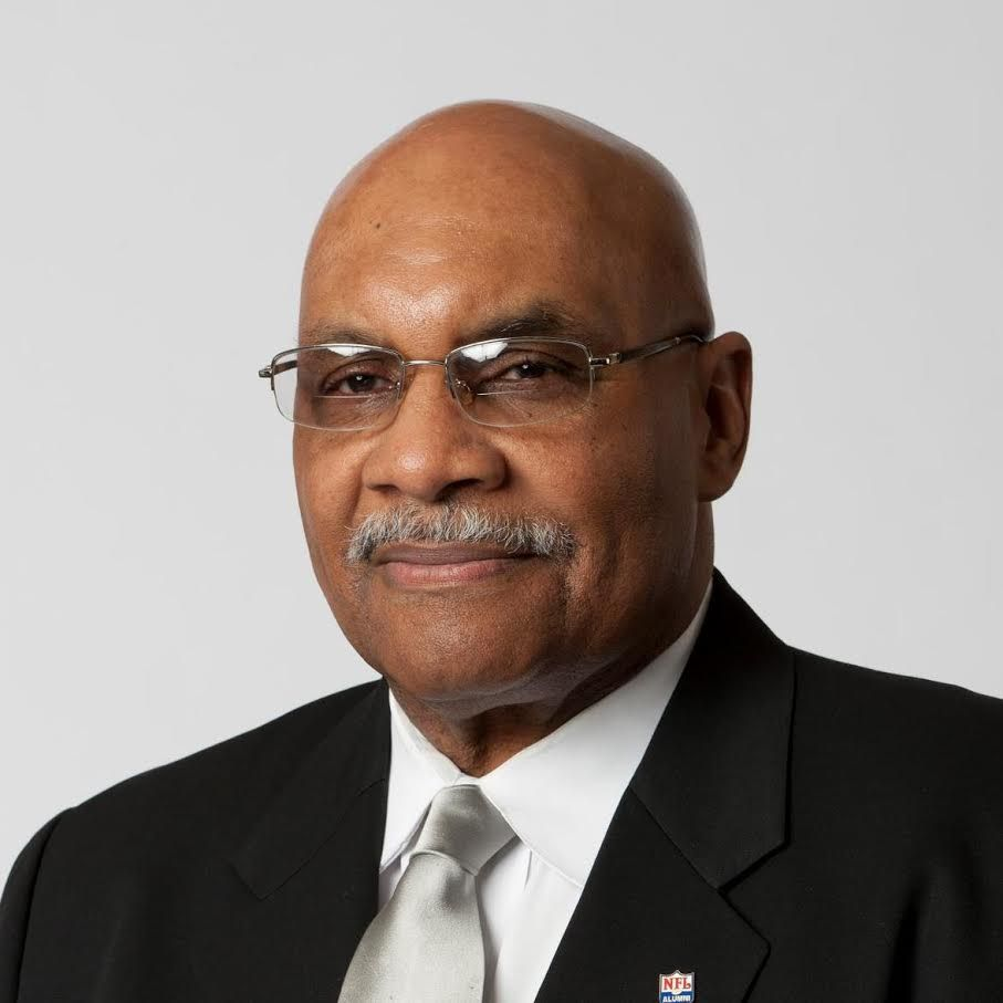 Bob Pickens wrestled for the United States in the 1964 Summer Olympics in Tokyo, played for the Chicago Bears and went on to be a toy company entrepreneur, a real estate developer, a Chicago Park District commissioner and a Big 10 football referee. | Face