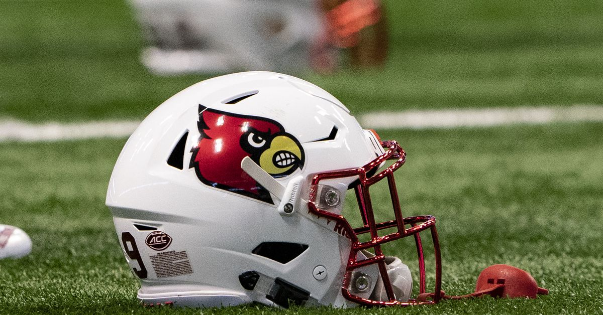 at 2019 Louisville total football's 3.5 over/under win  set