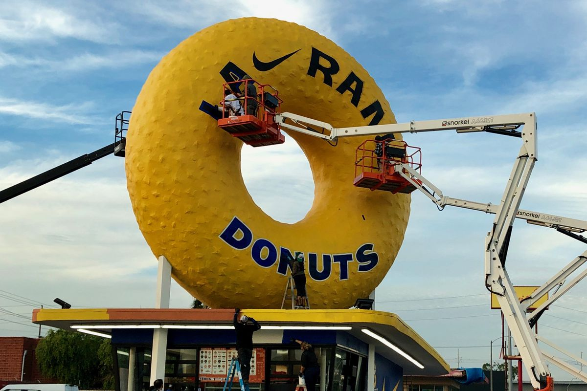 3303fdb18 Randy's Giant Donut Painted Rams' Blue and Gold for Super Bowl 53 ...