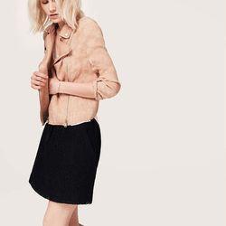"<a href=""http://www.loft.com/lou-26-grey-linen-blush-moto-jacket/329841?colorExplode=false&skuId=16226784&catid=cat1880002&productPageType=fullPriceProducts&defaultColor=7877"">Linen blush moto jacket</a>, $74.99"