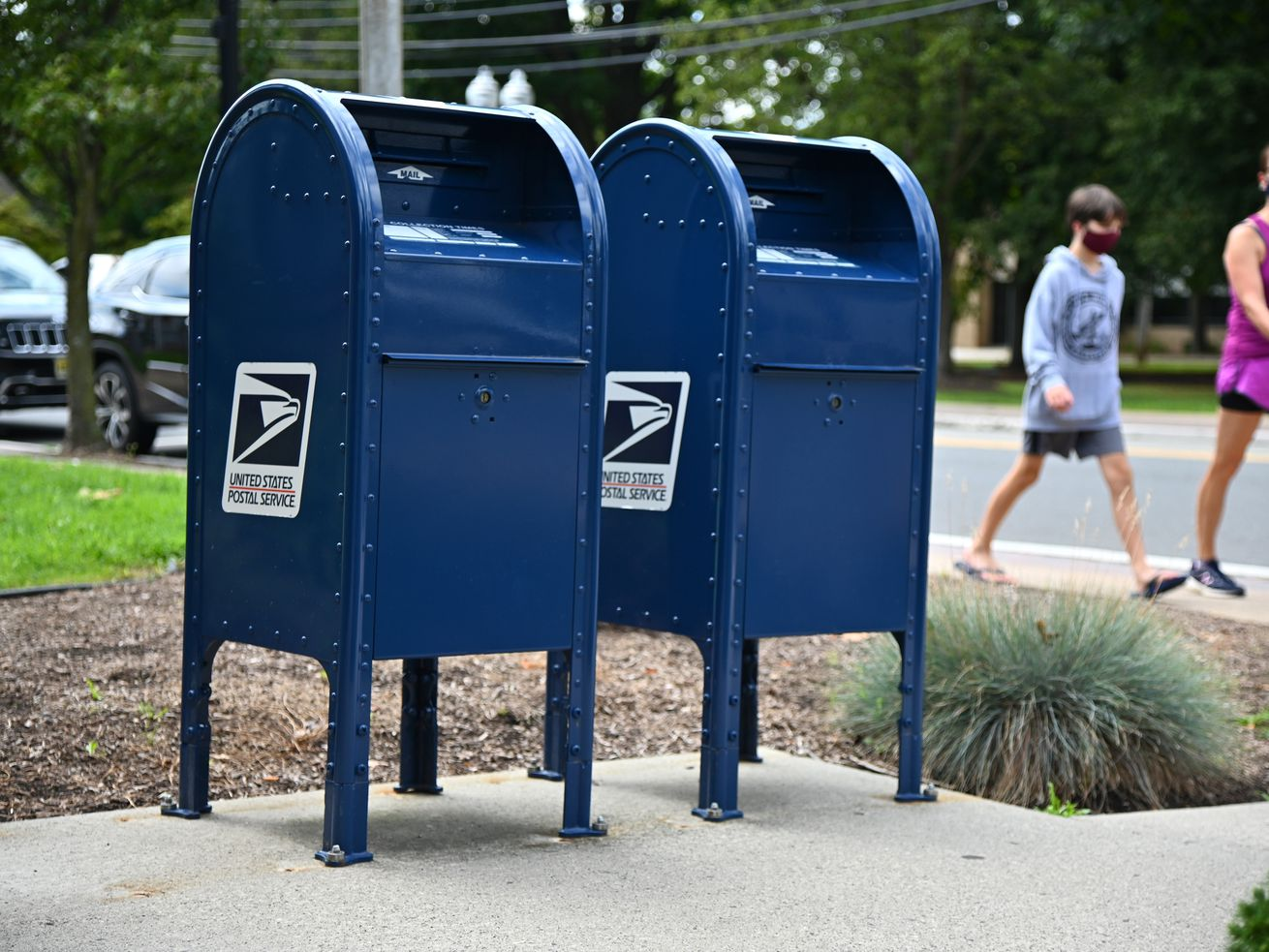 The choices are in the mail? Nearly a quarter of a million ballots to start hitting Chicago mailboxes