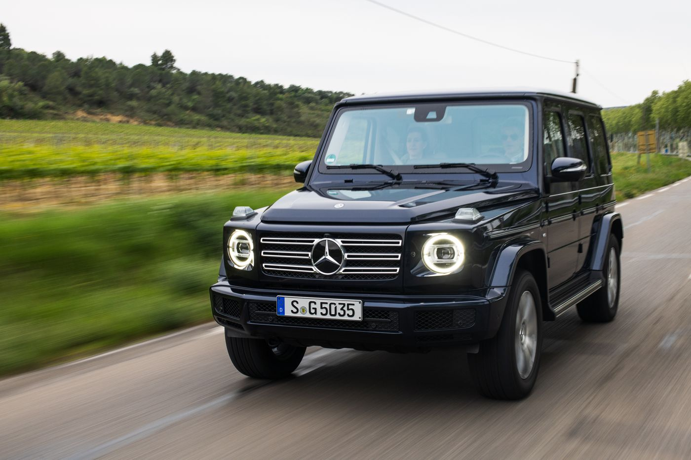 The 2019 Mercedes G Wagen Is Where Past And Present Meet Under The Hood The Verge