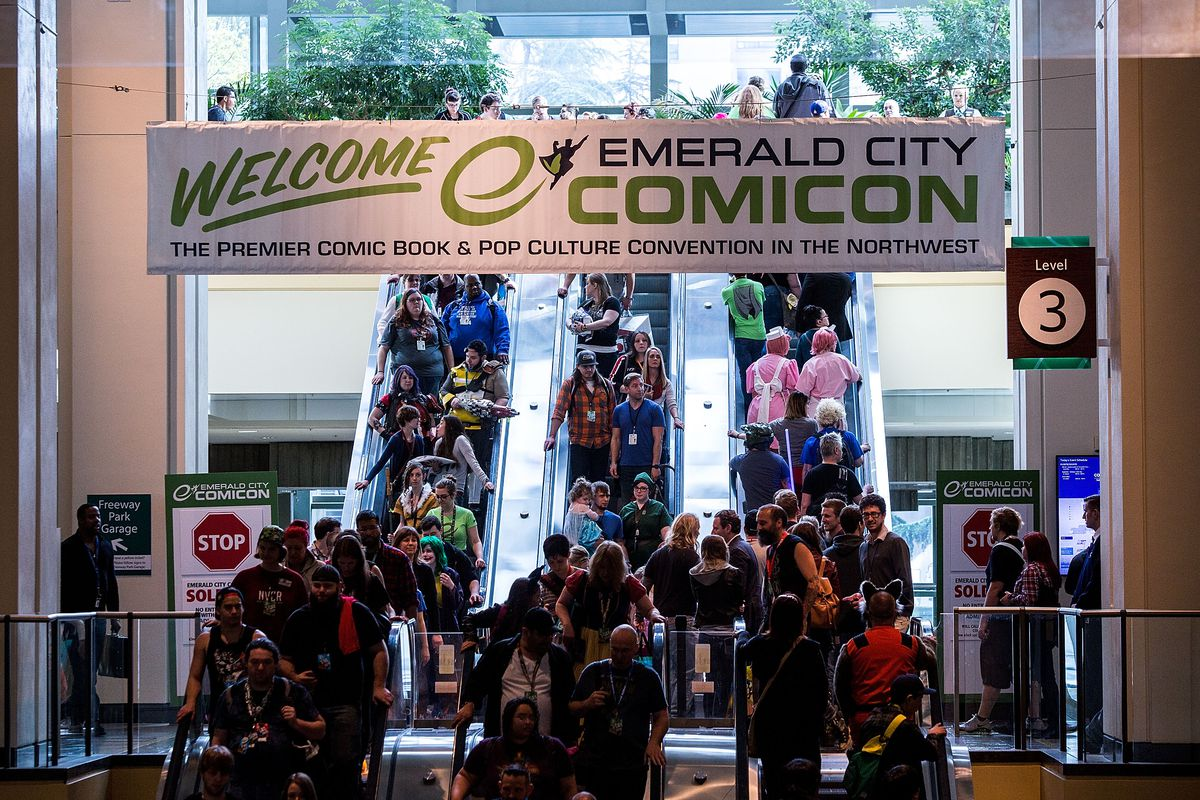 Crowds of fans fill escalators in the Washington State Convention Center for Emerald City Comicon.
