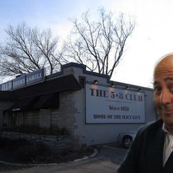 """<a href=""""http://eater.com/archives/2011/05/16/andrew-zimmerns-favorite-midwestern-hamburgers.php"""" rel=""""nofollow"""">Andrew Zimmern's Favorite Midwestern Hamburgers</a><br />"""