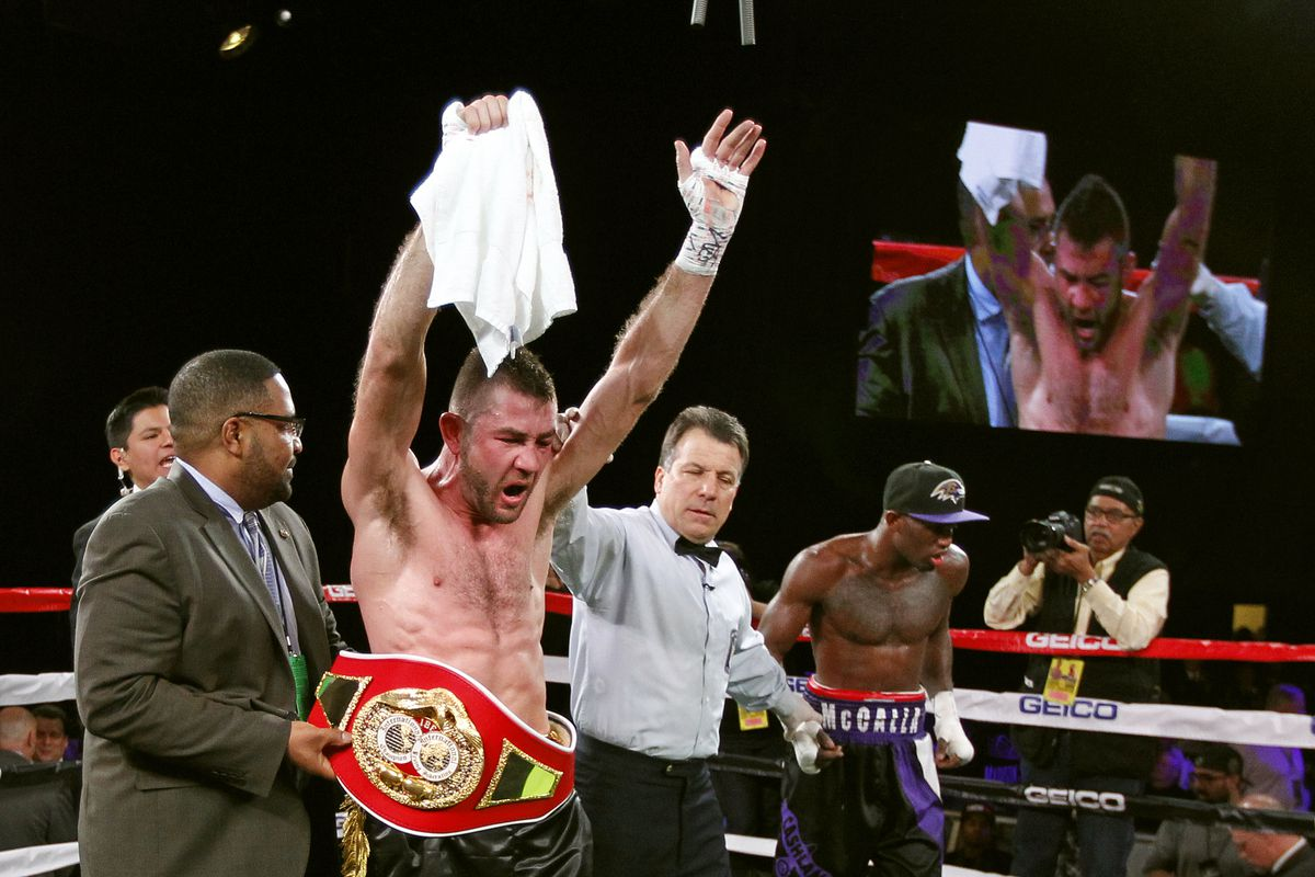 van Heerden wants shot at Crawford, and may be fairly close to one