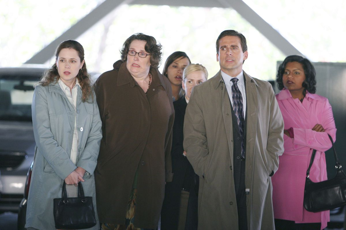 the women of the office gasp with michael while at the airport