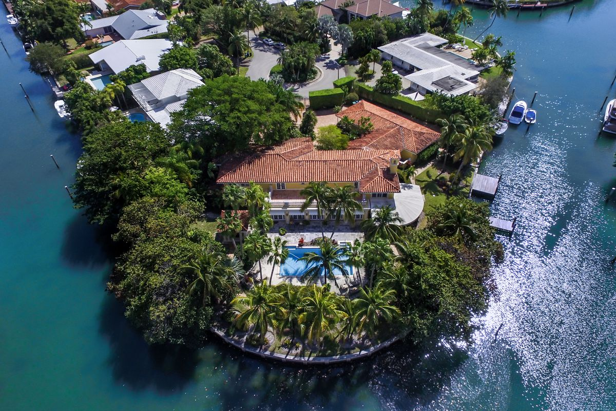 An aerial of a waterfront home in Key Biscayne