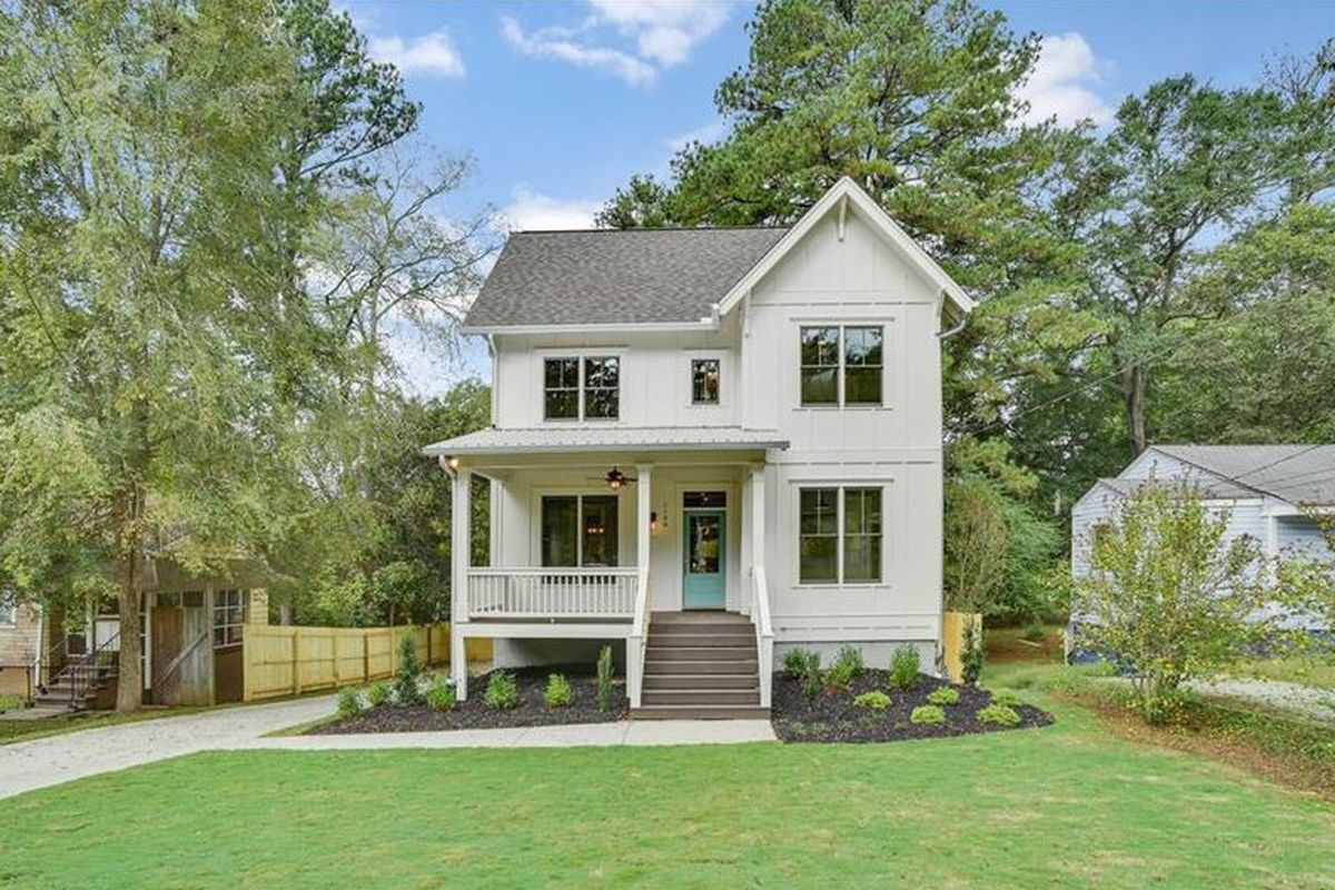 A new farmhouse style home for sale in Boulevard Heights Atlanta.