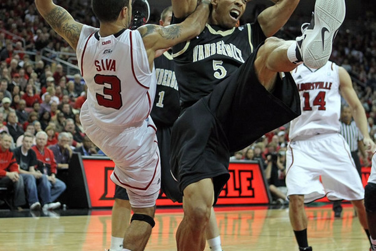 The Davidson refs collectively got an erection after seeing this picture of an actual foul in last week's game.