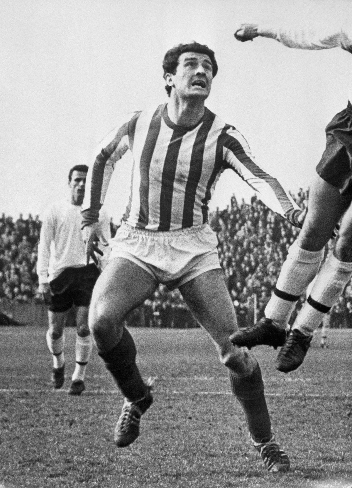 Soccer - League Division One - Fulham v Sunderland - Craven Cottage - London - 1966