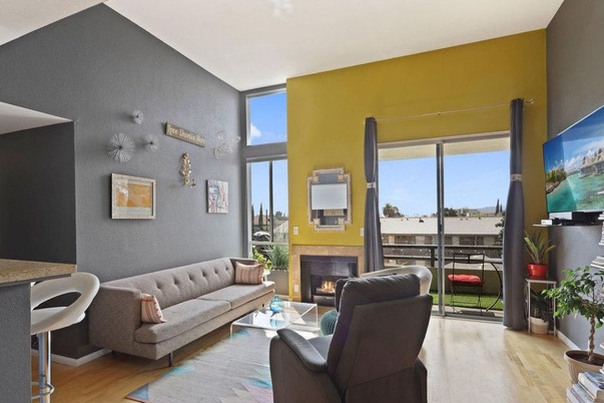 East hollywood homes for sale - It S An Easy Walk To The Red Line From This Two Bedroom Condo In East Hollywood