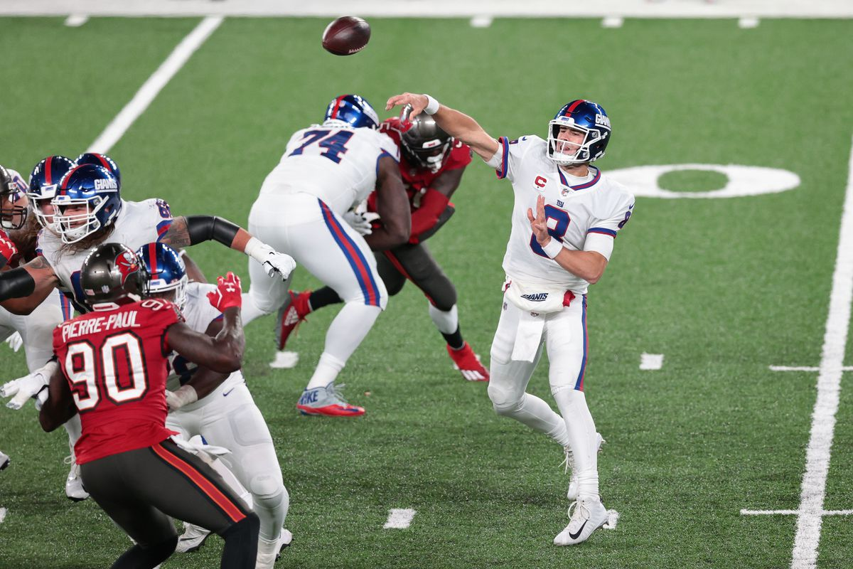 NFL: The Tampa Bay Buccaneers at the New York Giants