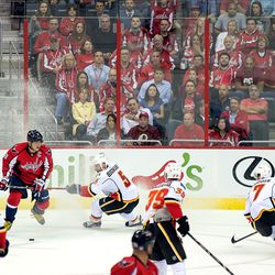 Ovechkin Looks to Pass or Shoot
