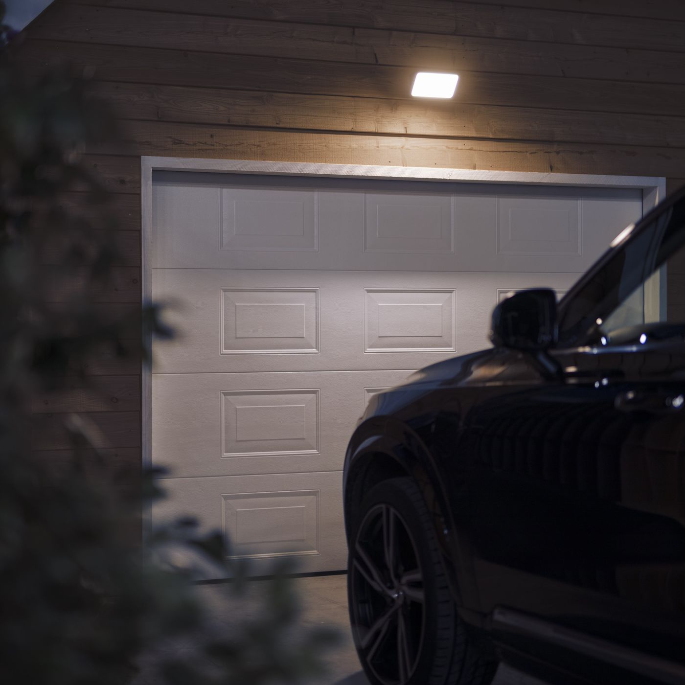 Philips Hue Adds New Outdoor Lights And