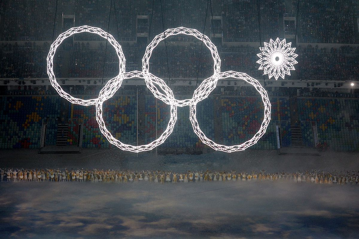 Olympic Rings Fail Spectacularly During Sochi Opening