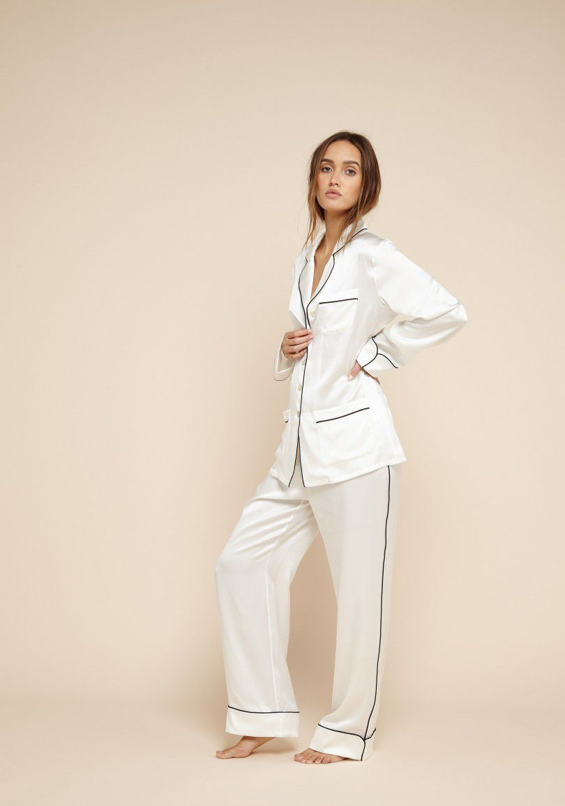 bb93d71de9 White silk pajamas with black piping