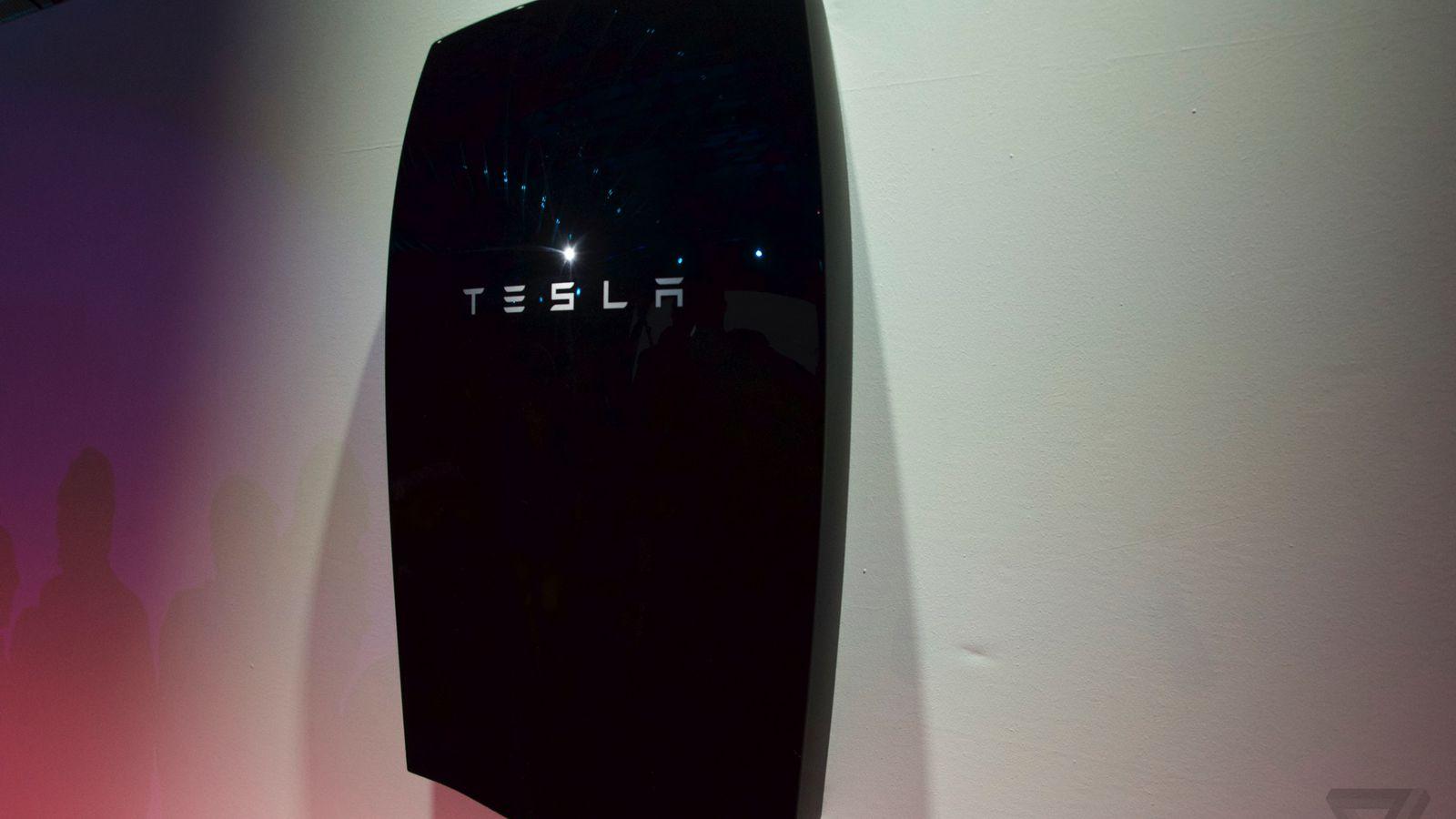 Tesla Stops Selling Its Biggest Powerwall Because People