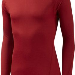 """""""When you walk out the door, you should be a little cold. You should feel underdressed when you first start. You want a good base layer, and Mizuno has come out with this unbelievable Breathe Thermo line that takes body moisture and it converts it to heat"""