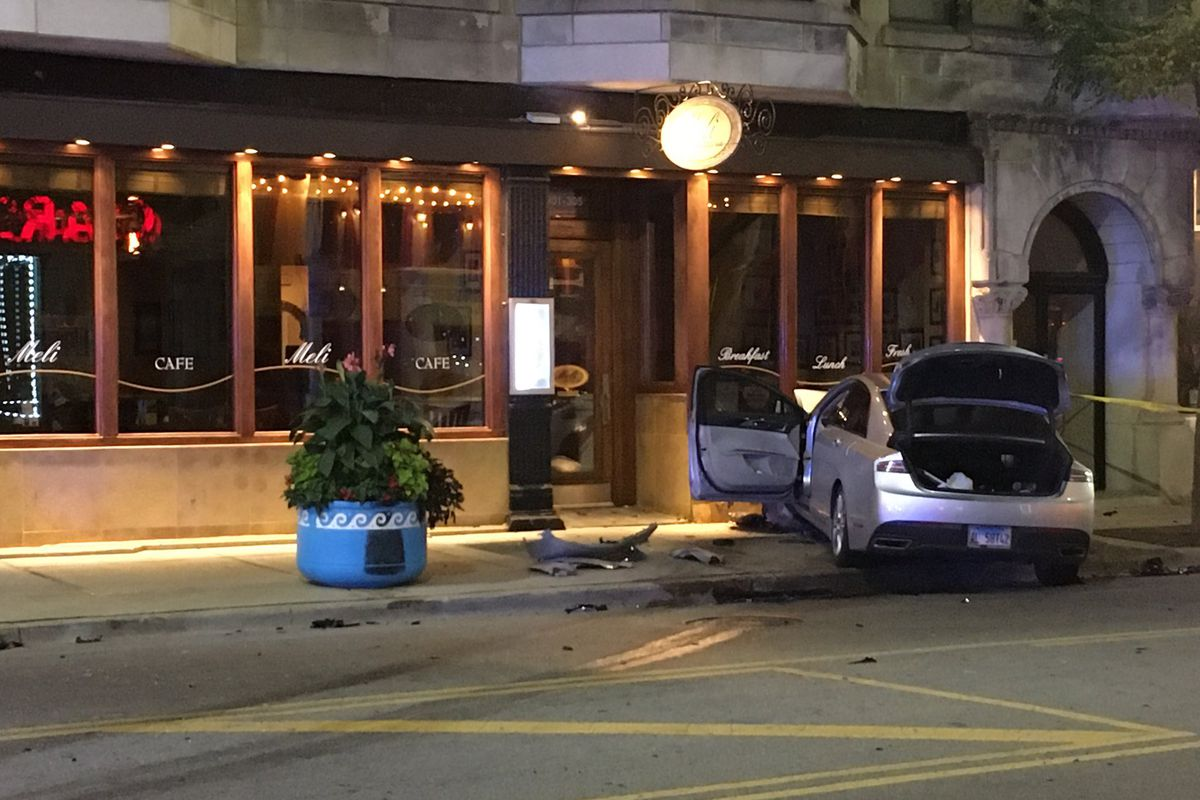 Person steals ride-share after crash in Goose Island, crashes it again in Greektown: police