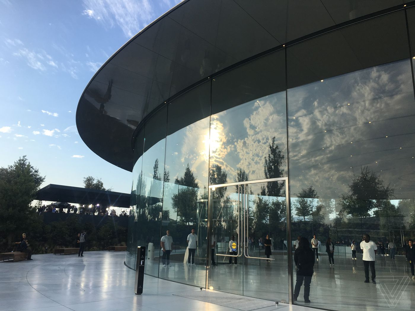 Unduh 800 Wallpaper Apple Park HD Terbaik
