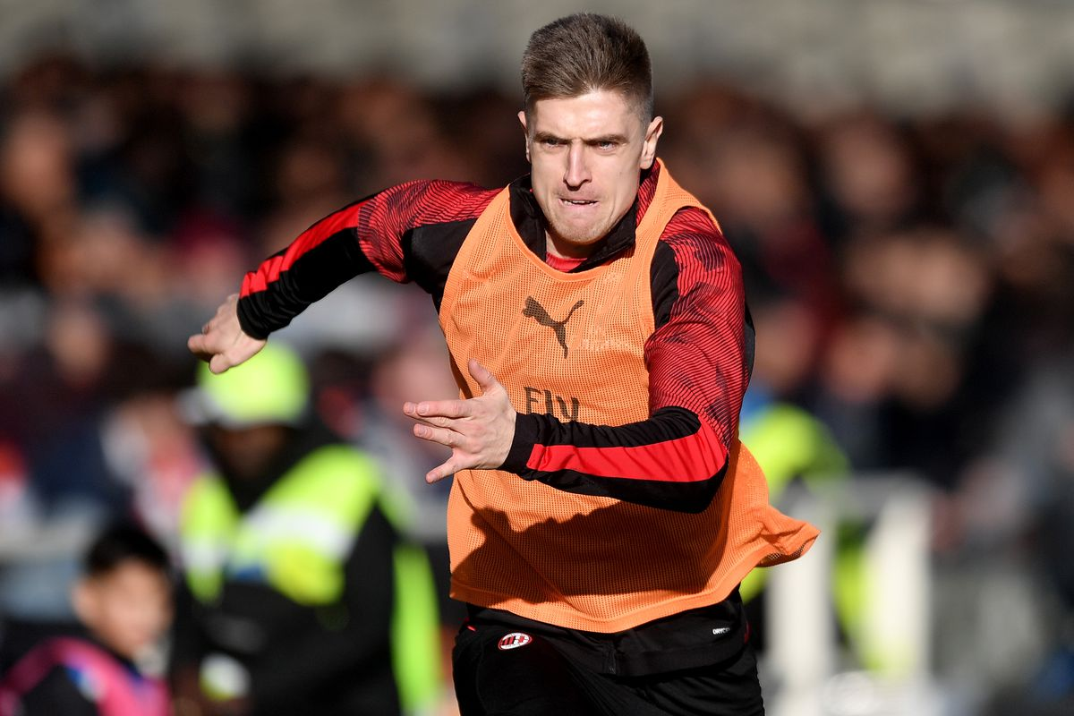 Krzysztof Piatek of AC Milan warms up during the Serie A...