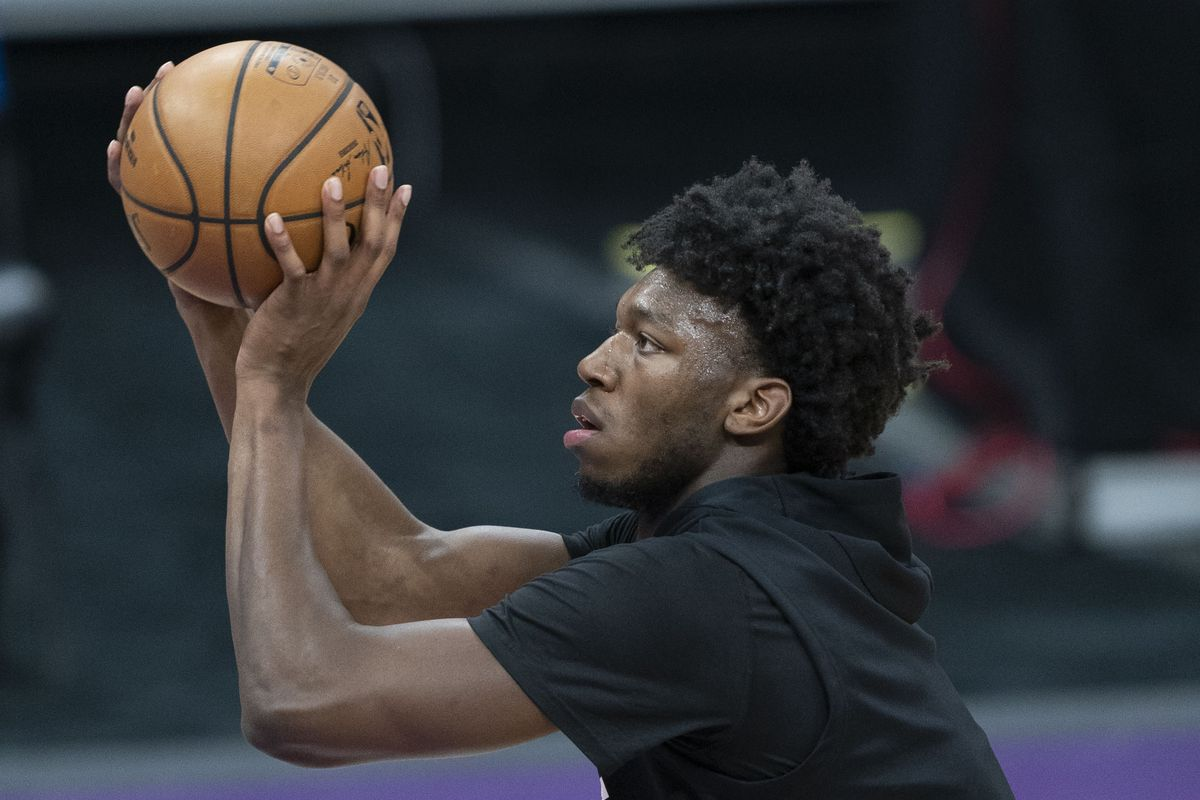 Golden State Warriors center James Wiseman warms up during the first quarter against the Sacramento Kings at Golden 1 Center.