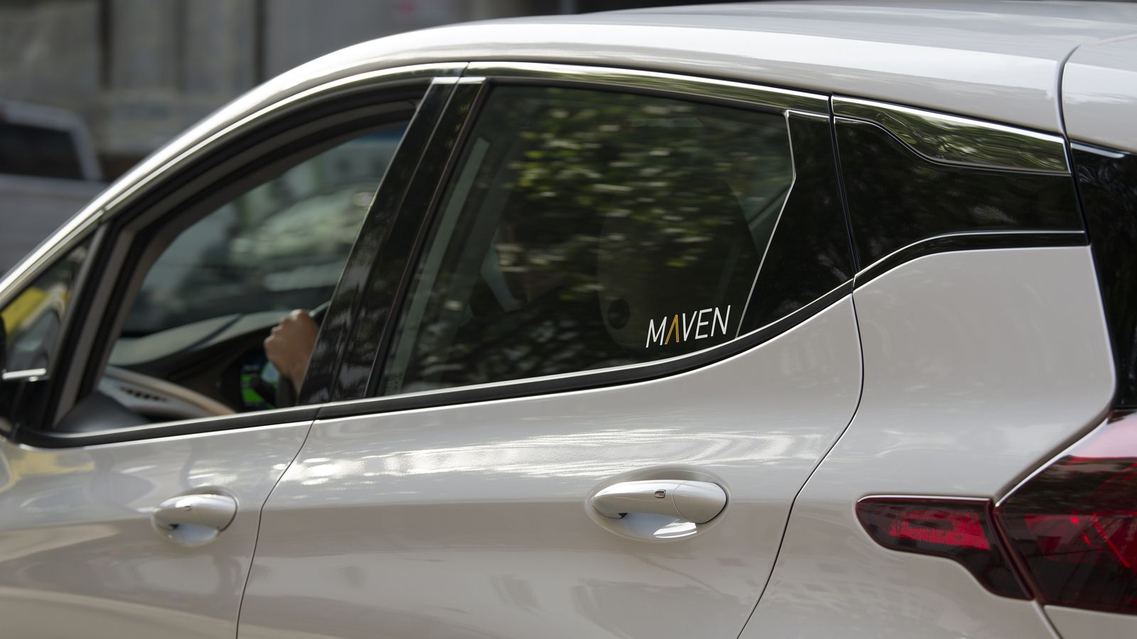 GM expands its car sharing service for Uber and Lyft drivers