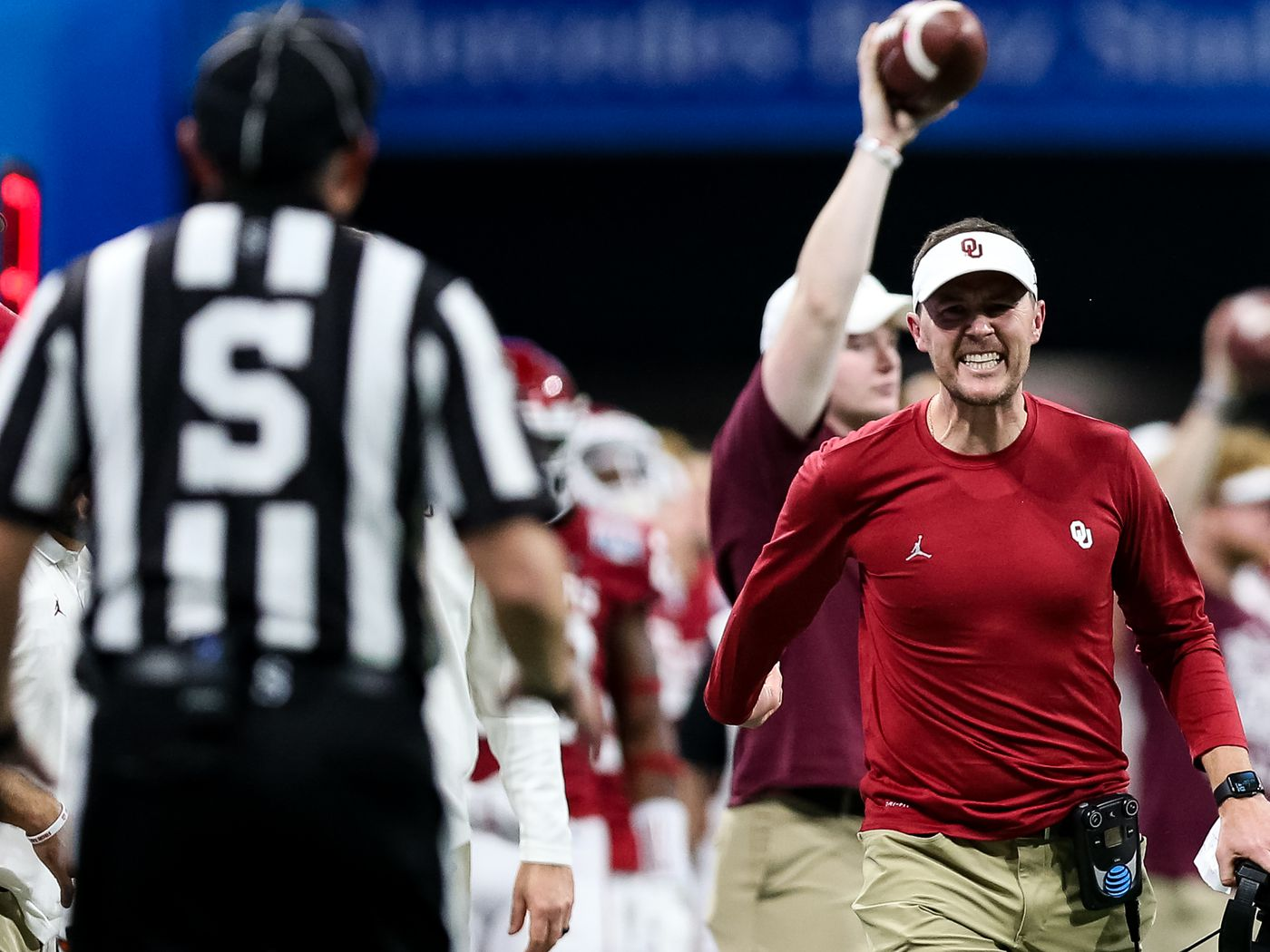Oklahoma Football New Contract Details For Lincoln Rily And Staff Phil Steele Likes The Sooners To Win The Big 12 Crimson And Cream Machine