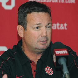 Oklahoma head coach Bob Stoops speaks during an NCAA college football news conference, Monday, Sept. 3, 2012, in Norman, Okla.