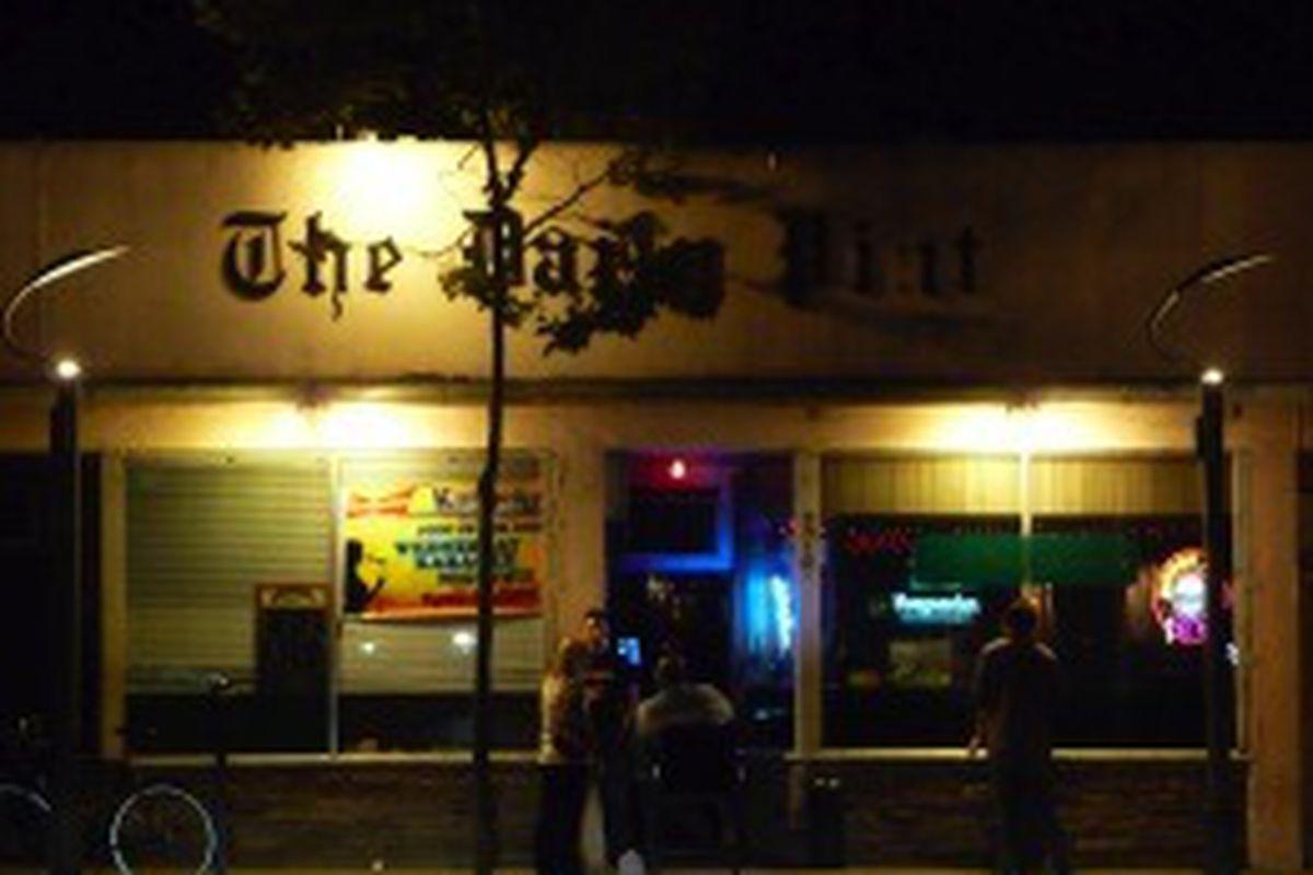 12:58am at The Daily Pint, Santa Monica.