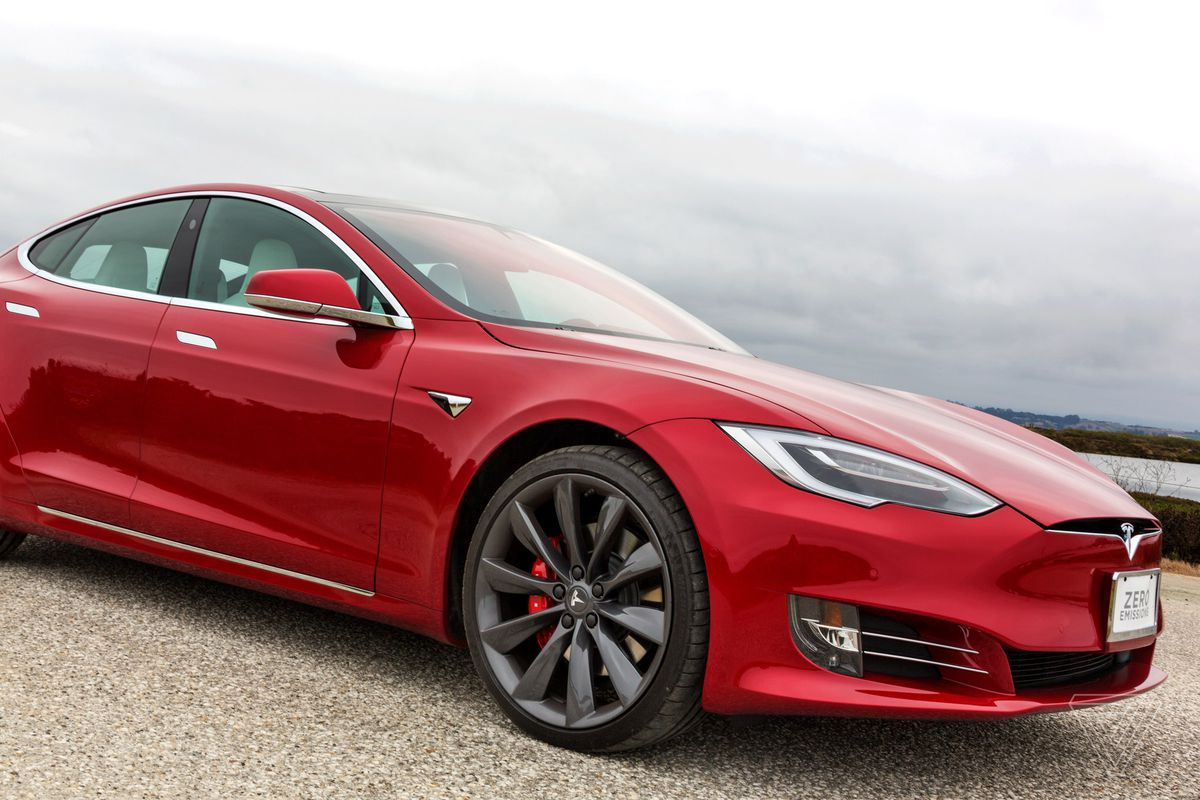 tesla model s p100d review the ultimate status symbol of california cool the verge. Black Bedroom Furniture Sets. Home Design Ideas