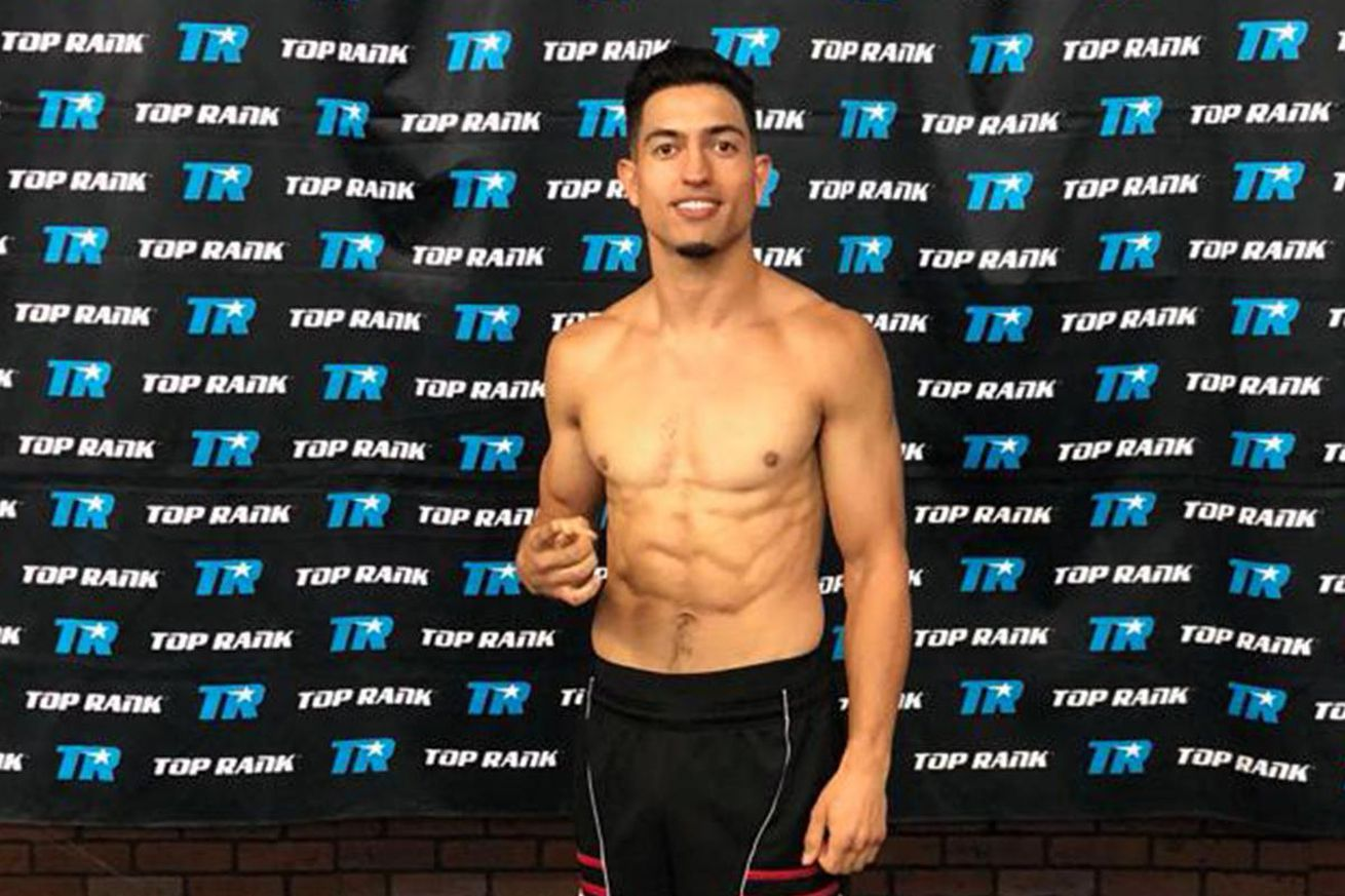 trboxing 2019 Apr 30.0 - Top Rank signs welterweight prospect Brian Mendoza