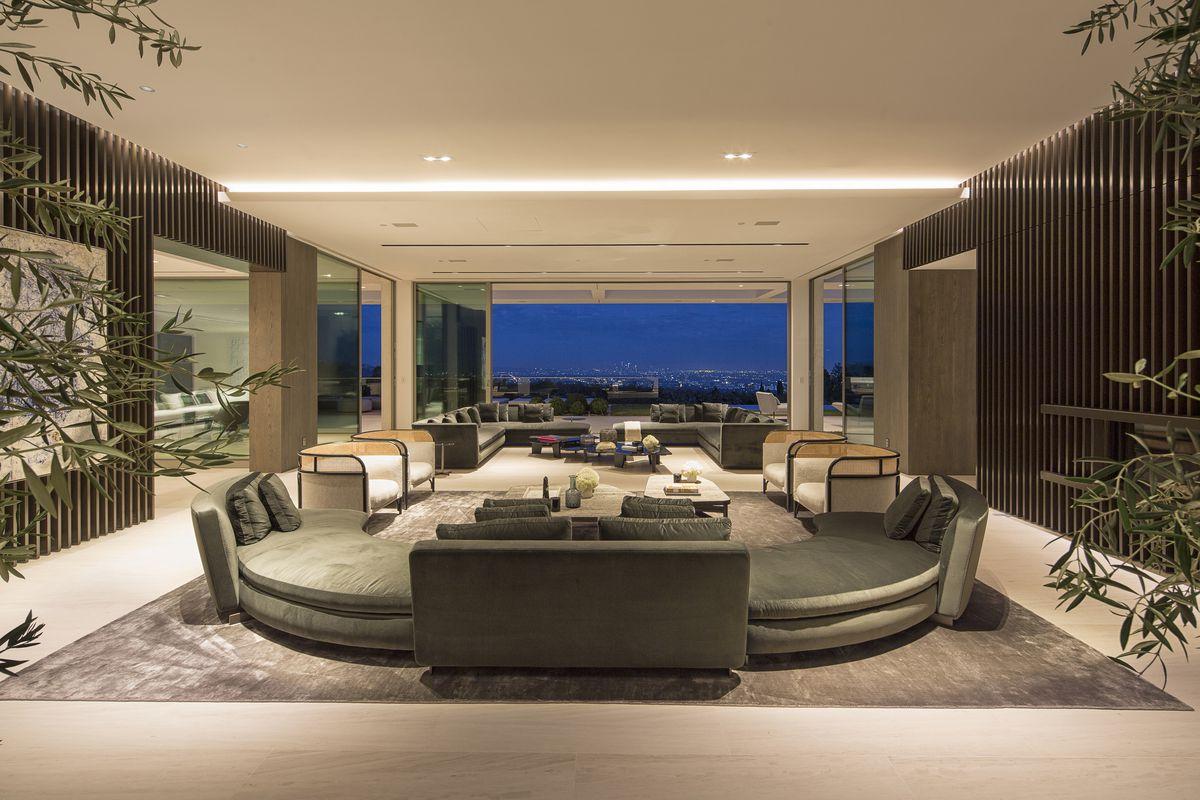 Living room of Michael Bay house