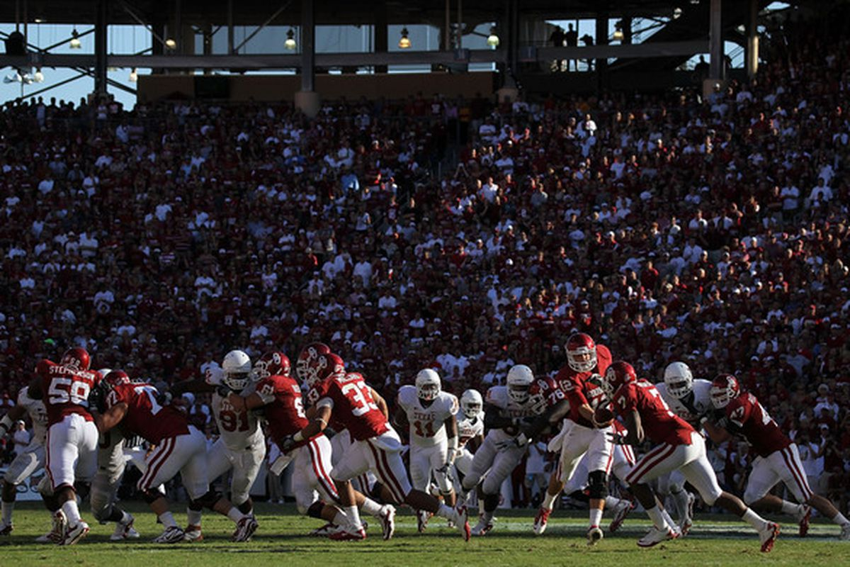 The Red River shootout: Future marquee game of the Pac-16?  (Photo by Ronald Martinez/Getty Images)