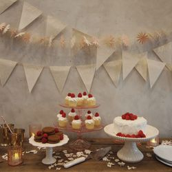 """Element 8: Plenty of Sweets. """"Tiny treats are great to give your guests a variety. It allows you to pick multiple options so you can really include all of your favorites."""""""