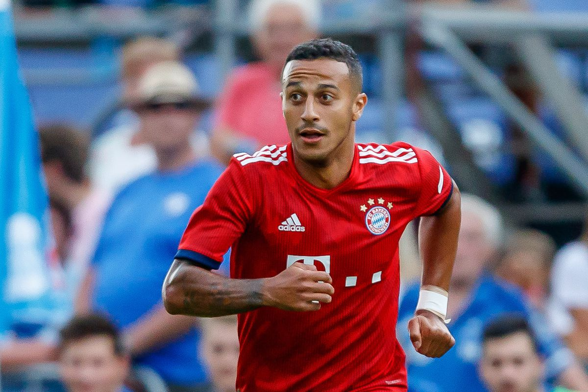 Chelsea presented with chance to sign Bayern midfielder ...