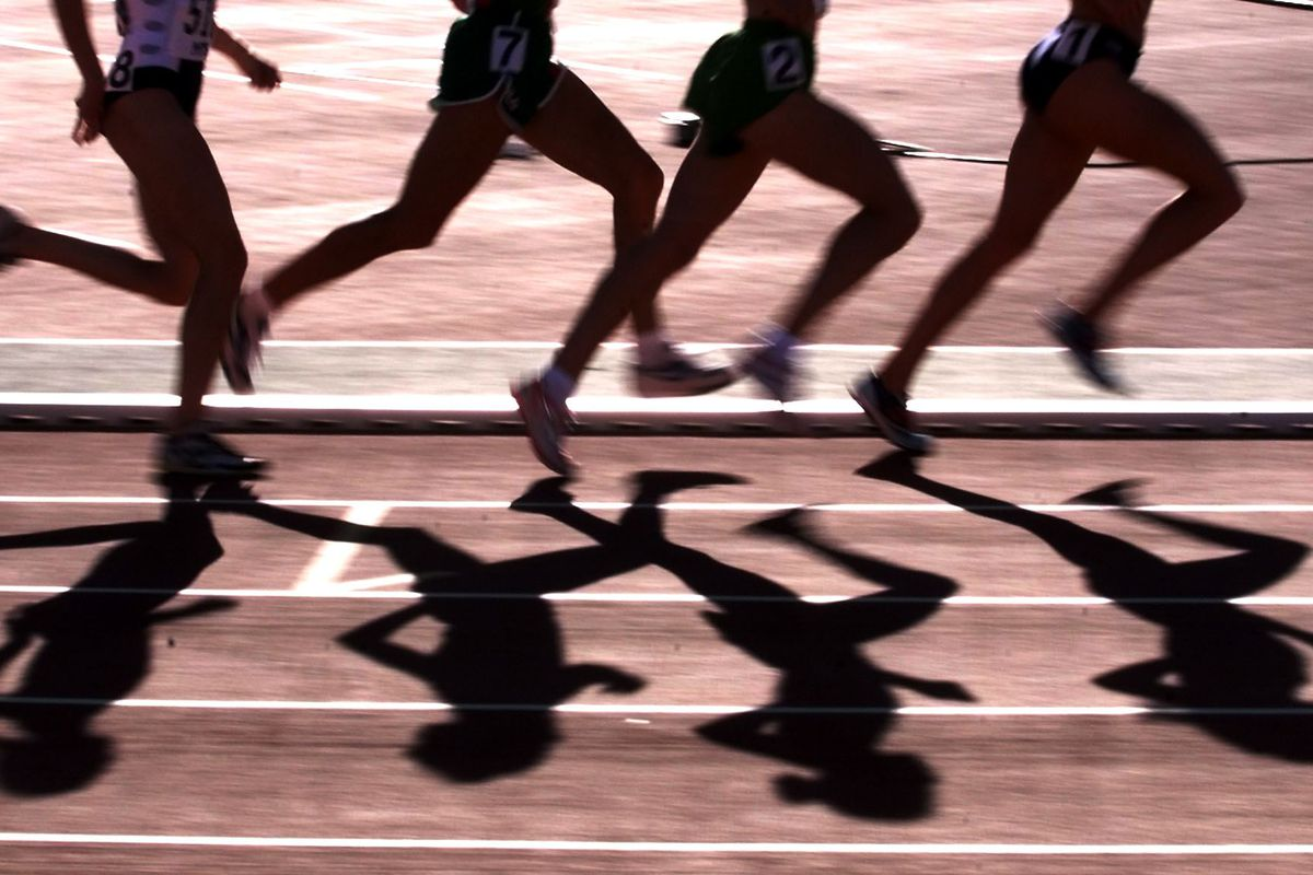 Women's 5,000m runners cast a shadow across the tr