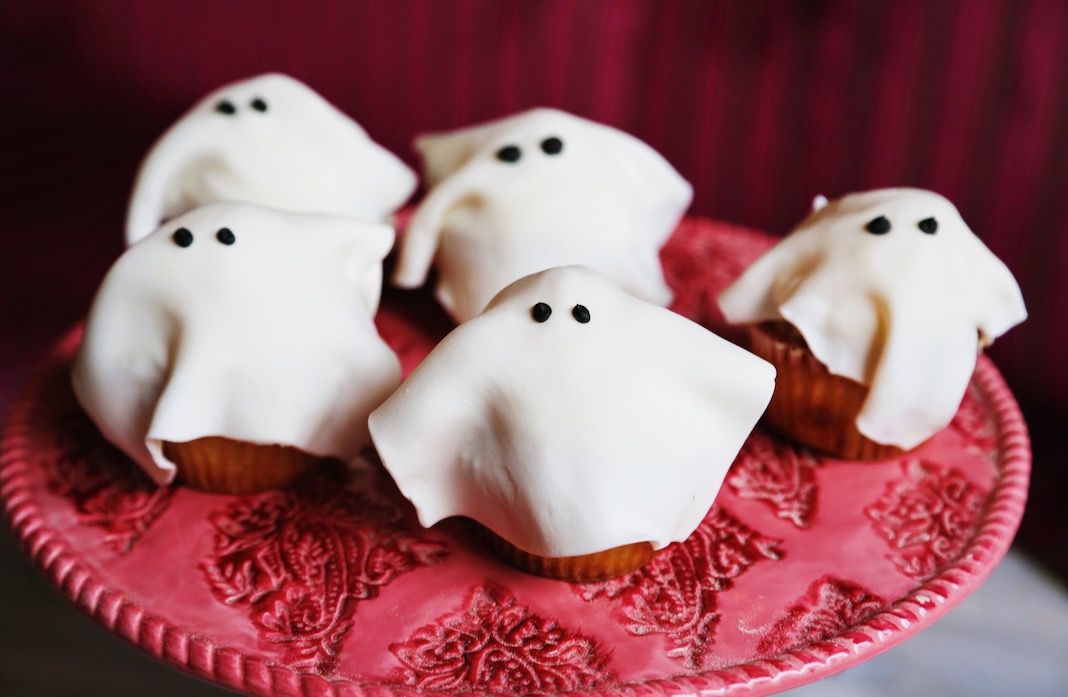 restaurant eves ghost cupcakes hitchcock cupcakes