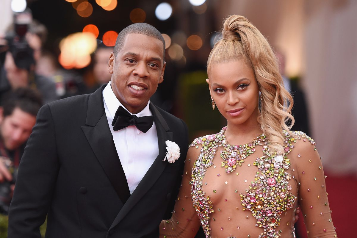 """Jay Z and Beyonce attend the """"China: Through The Looking Glass"""" Costume Institute Benefit Gala at the Metropolitan Museum of Art on May 4, 2015, in New York City.  (Photo by Mike Coppola/Getty Images)"""