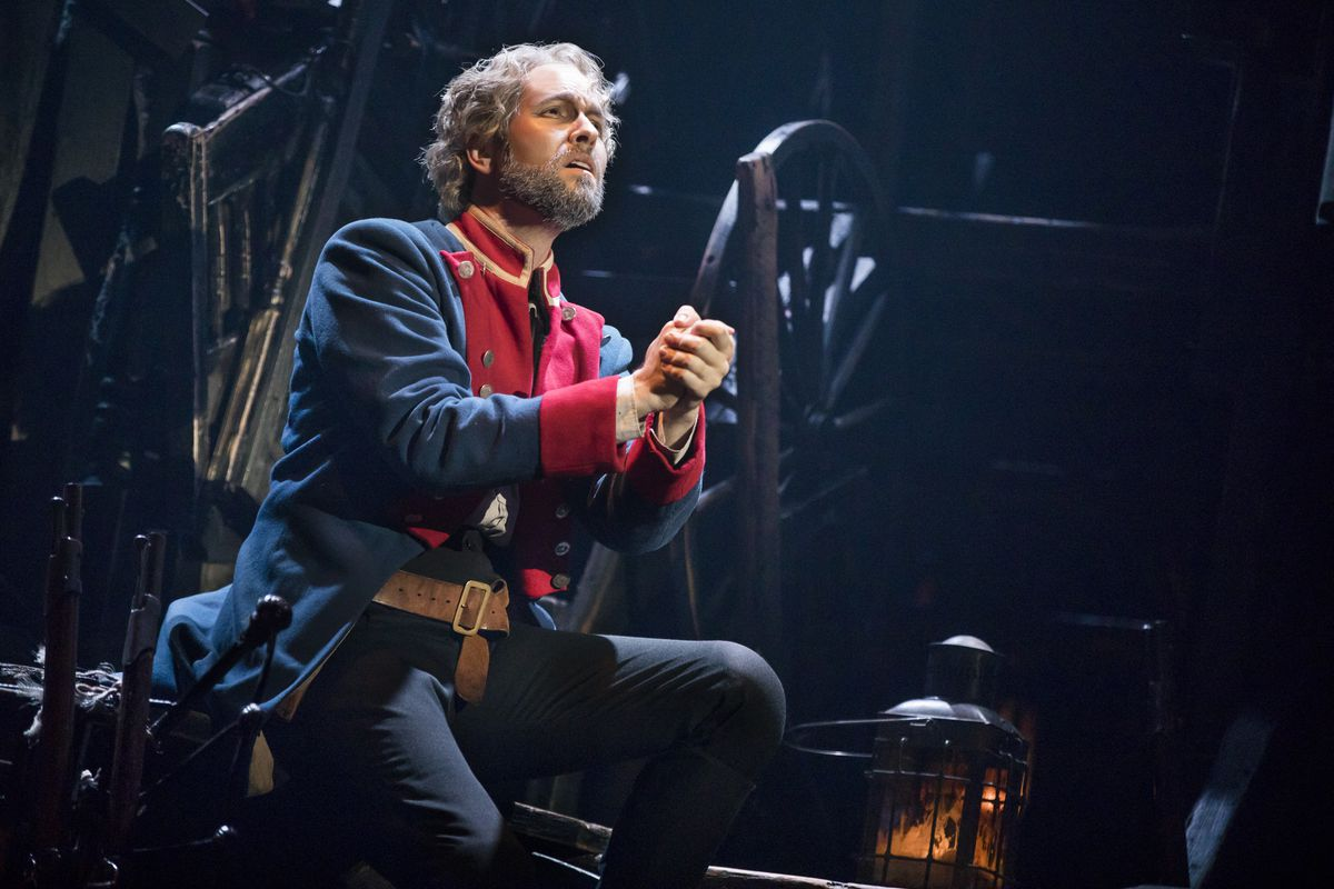 'Les Miserables' a passionate success, from the epic scale to the small details