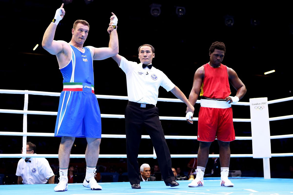 Italy's Roberto Cammarelle faces Great Britain's Anthony Joshua on Sunday for the super heavyweight gold medal. (Photo by Scott Heavey/Getty Images)