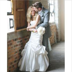 On June 7th, 2013, The Hills alum Kristin Cavallari made things official with Jay Cutler in Monique Lhuillier.