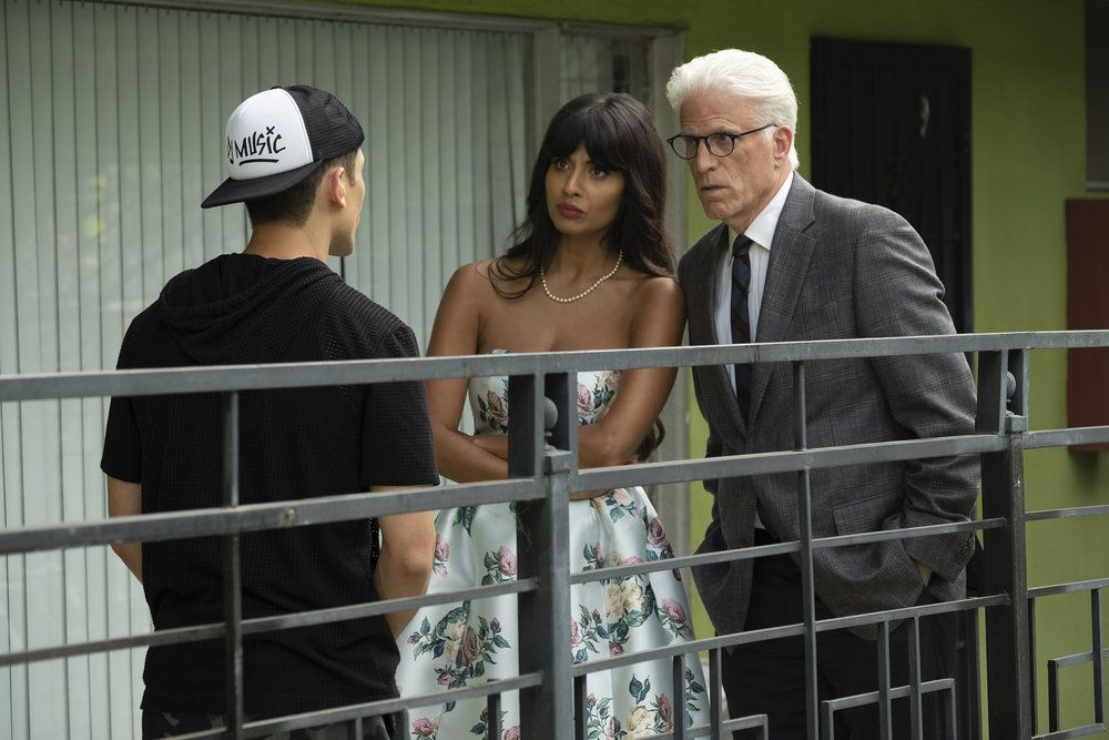 Jameela Jamil as Tahani, Ted Danson as Michael in The Good Place season 3