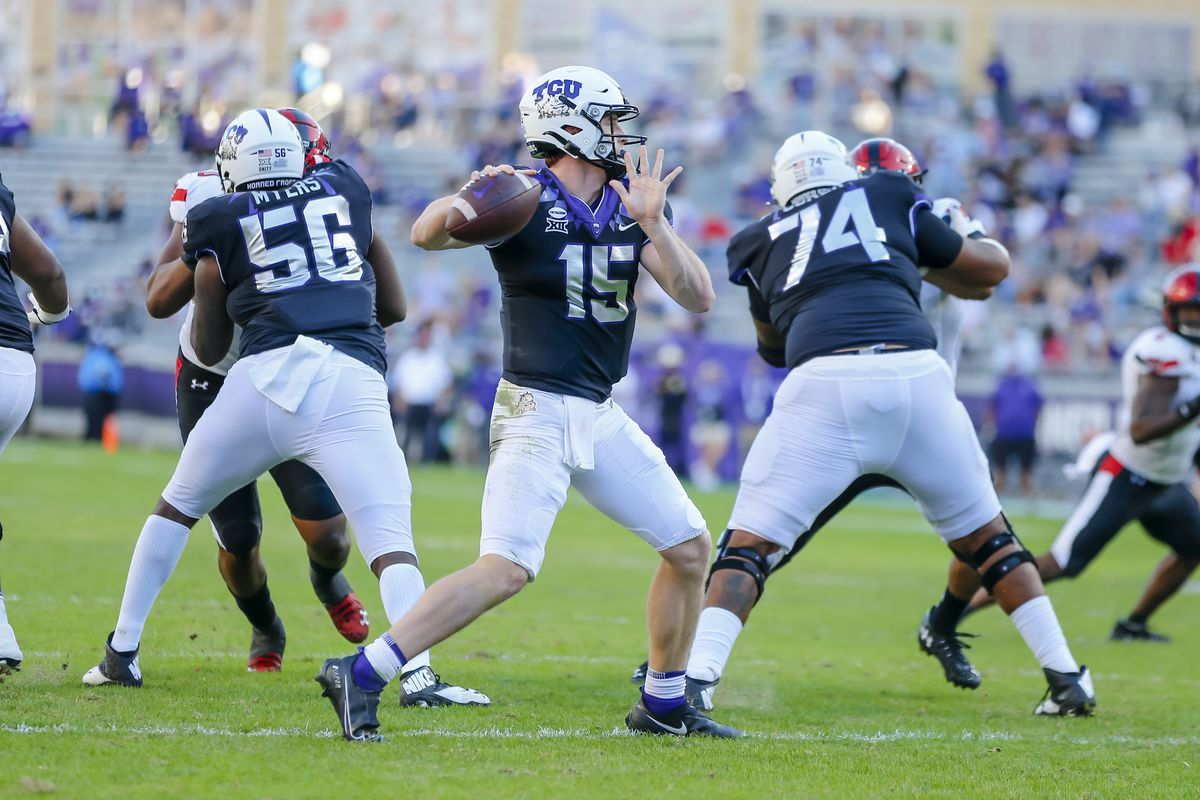 TCU Horned Frogs quarterback Max Duggan looks downfield for an open receiver during the game between the TCU Horned Frogs and the Texas Tech Red Raiders on November 7, 2020 at Amon G. Carter in Fort Worth, Texas.