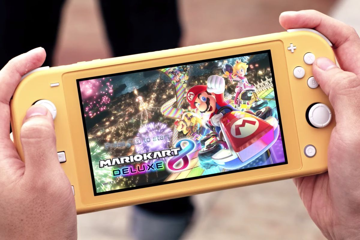Nintendo Switch Lite Impressions Here S What People Think